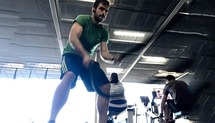 Rutina de ejercicios para adelgazar en gimnasio