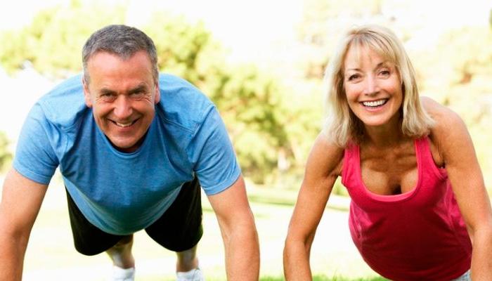 Importante trabajar con pesas a los 40